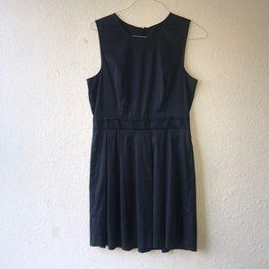 - Theory dress size 8